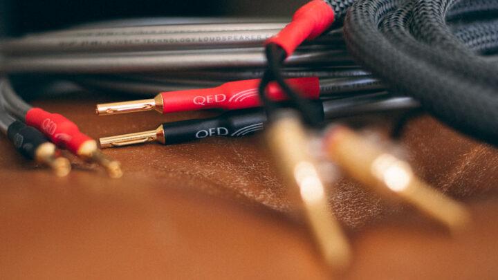 QED XT40i hangfalkábel és VIABLUE SC-2 hangfalkábel Gedeon