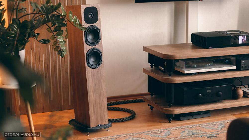 Neat Acoustics SX1 hangfal és Naim Uniti Nova erősítő
